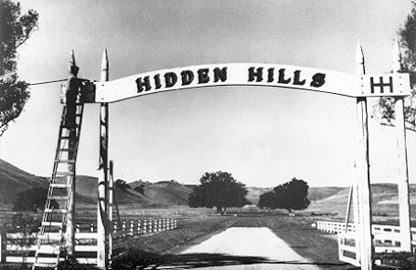 049HiddenHillsCalifornia